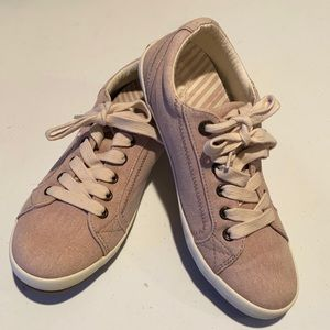 TAOS CANVAS SNEAKERS SIZE 8